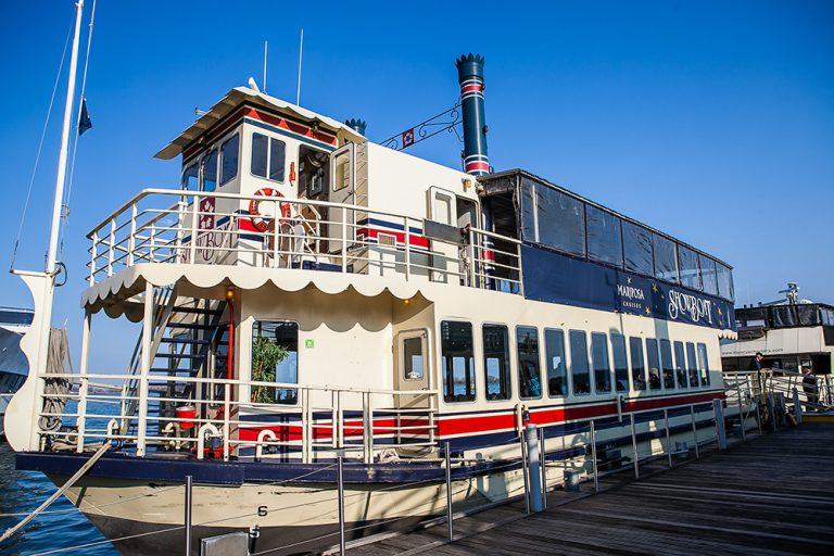 Showboat in the Toronto docks